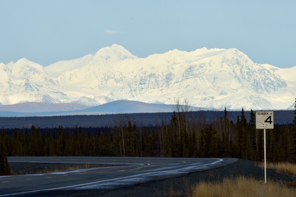 richardson-highway-in-alaska