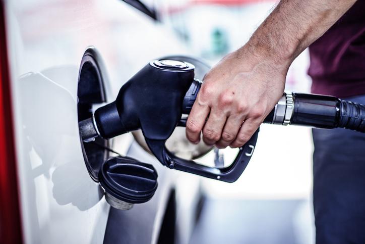 filling-up-gas-tank-alaska