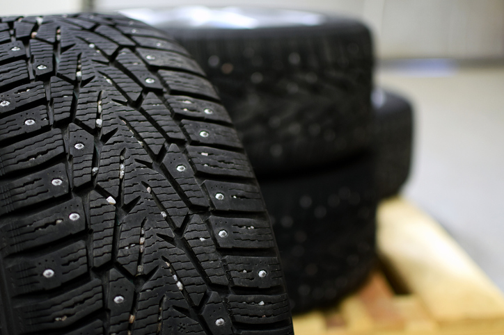 studded-snow-tires-in-alaska