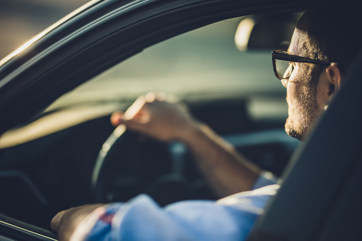 driving-with-glasses-in-alaska